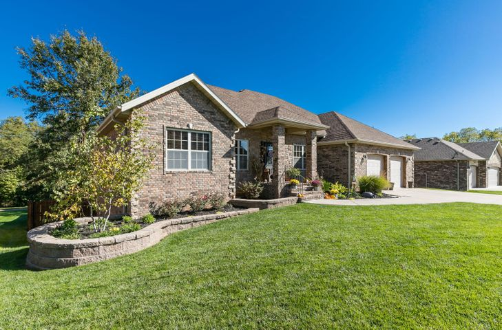 4649 West Silo Hills Drive, Springfield, MO 65802