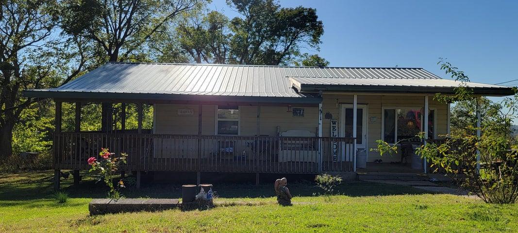 1062 Sam Day Road, Bradleyville, MO 65614