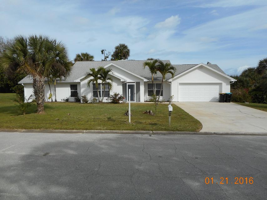 1127 NE Treebark Avenue, Palm Bay, FL 32905