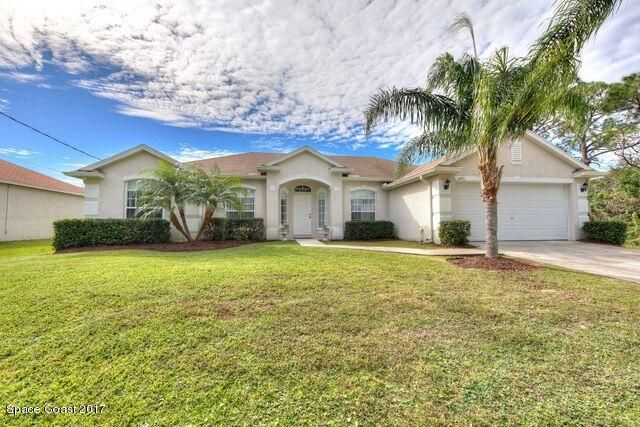 1470 SE Transcoro Street, Palm Bay, FL 32909