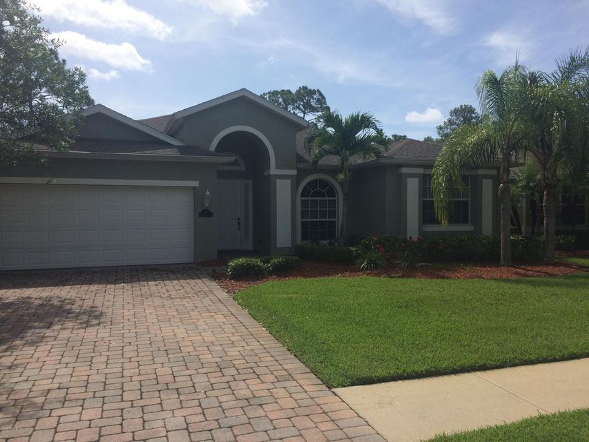Gated Community! Beautiful 3/2 Home in Bayside Lakes. Home Features Huge Great Rm. Formal Office. Custom Tile. Kitchen has Breakfast bar and Breakfast/Dining nook.  Amenities include Clubhouse,Pool,Tennis, Exercise Rm,and Playground.