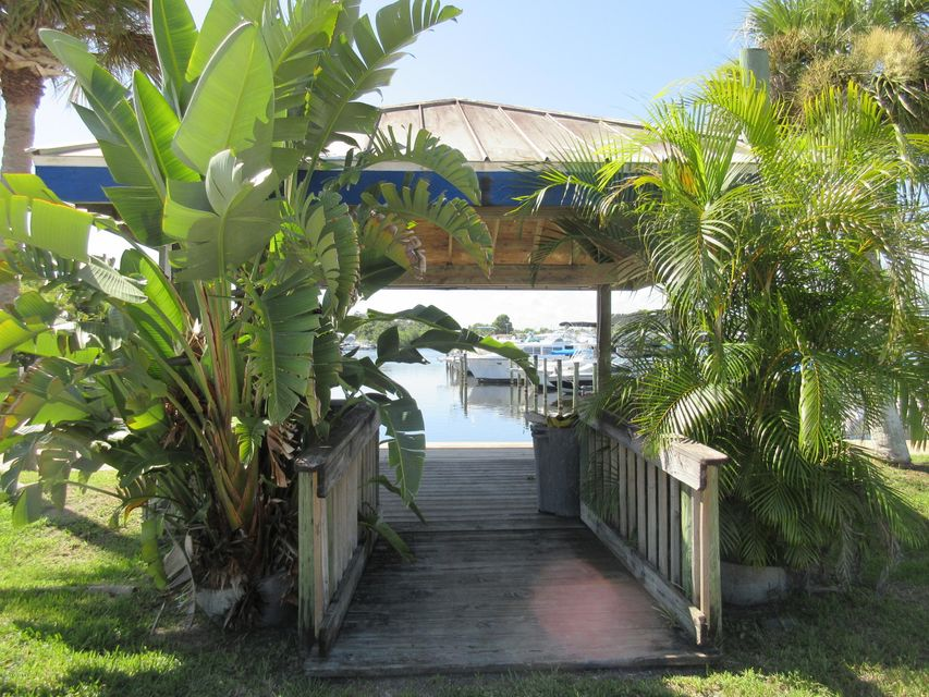 Stupendous Palm Bay Homes For Sale Treasure Coast Sothebys Home Interior And Landscaping Dextoversignezvosmurscom