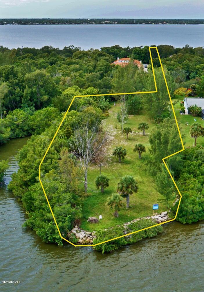 9620 S Tropical Trail, Merritt Island, FL 32952