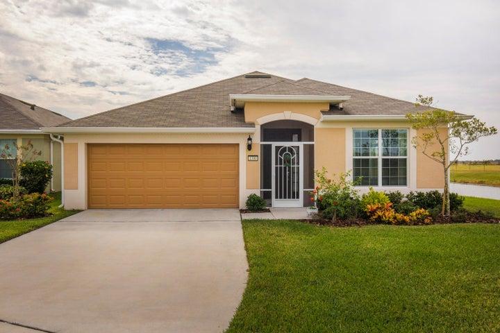 1300 Hubbard Court SE, Palm Bay, FL 32909