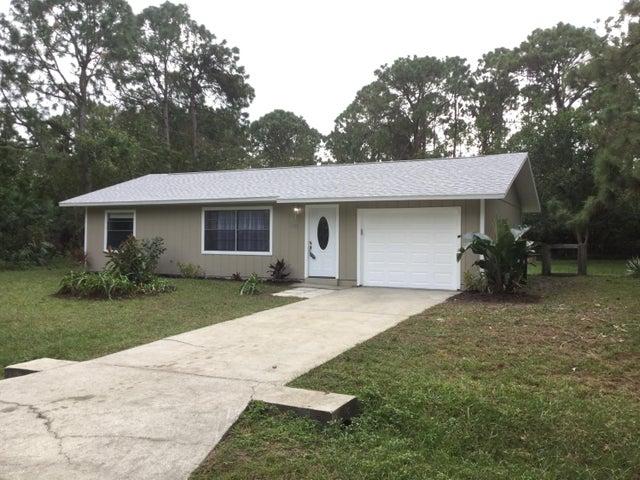 1562 Holcomb Street NW, Palm Bay, FL 32907