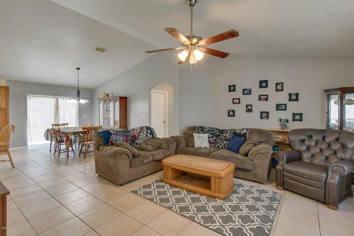 713 Bywood Drive NE, Palm Bay, FL 32905