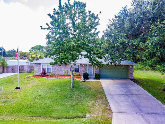 887 Trinidad Avenue SE, Palm Bay, FL 32909