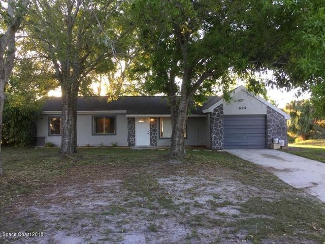 694 NE Cayuga Avenue NE, Palm Bay, FL 32905