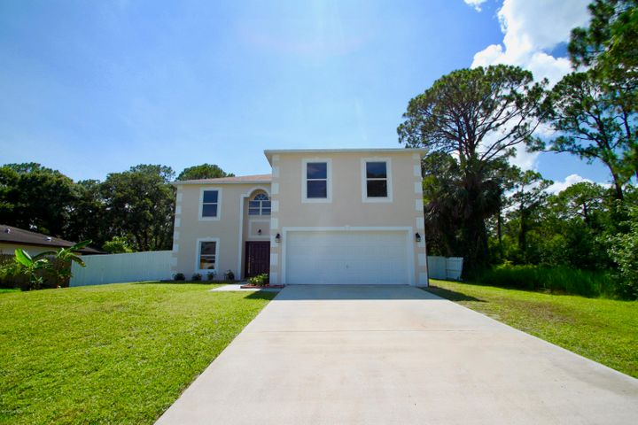 Fully Renovated 4Bed 2.5Bath 2Car Garage Pool Home with Fenced Back Yard