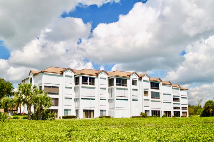 Riverfront 2Bed 2Bath Furnished Condo with 1Carport