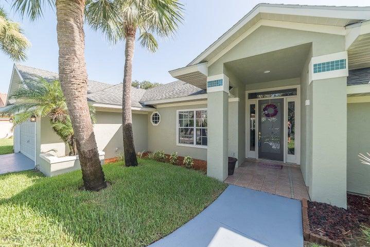422 Sanderling Drive, Indialantic, FL 32903