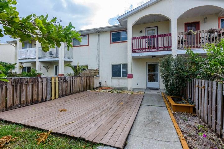 210 Cherie Down Lane, Cape Canaveral, FL 32920