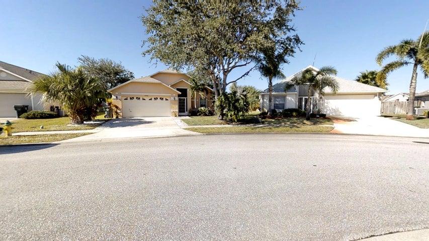 1253 Creek Side Circle, Rockledge, FL 32955