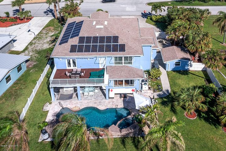 136 Bahama Boulevard, Cocoa Beach, FL 32931