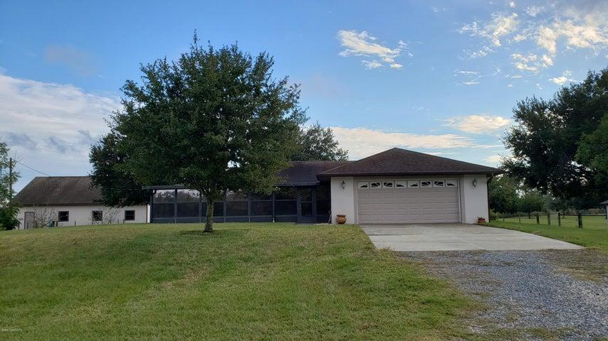 4615 Dixie Way, Mims, FL 32754