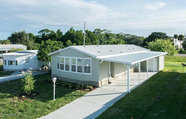 923 Vireo Drive, Barefoot Bay, FL 32976