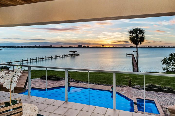 500 Snug Harbor Drive, Merritt Island, FL 32953