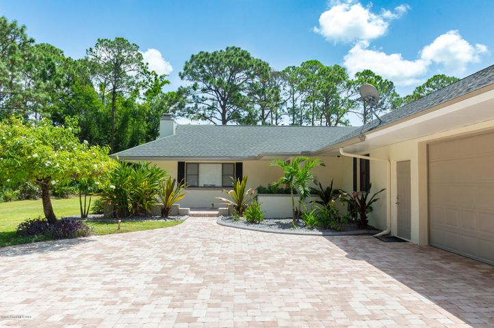 1639 Emmaus Road NW, Palm Bay, FL 32907