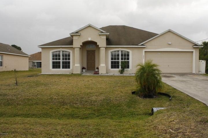 582 Forrest Hills Street SW, Palm Bay, FL 32908