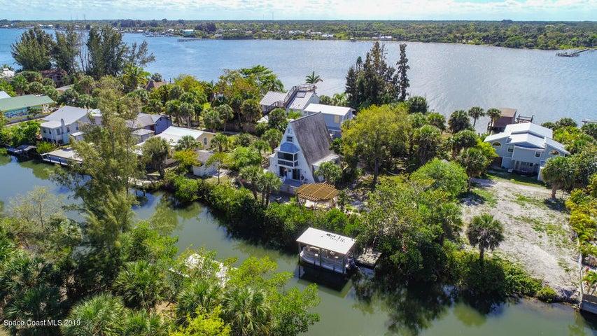 38 Vip Island, A, Grant Valkaria, FL 32949