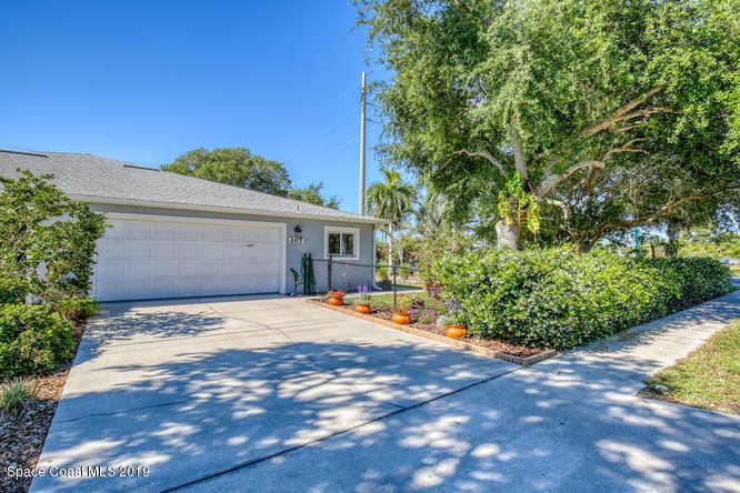 107 Adams Avenue, Cape Canaveral, FL 32920