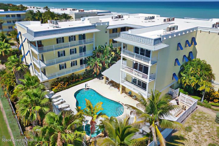 SPECTACULAR DIRECT OCEANFRONT NE CORNER UNIT