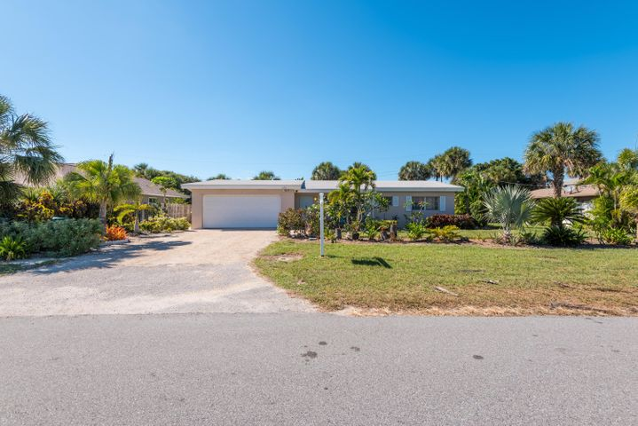 120 Eighth Avenue, Indialantic, FL 32903
