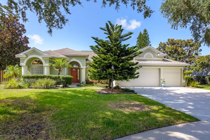 5749 Newbury Circle, Melbourne, FL 32940