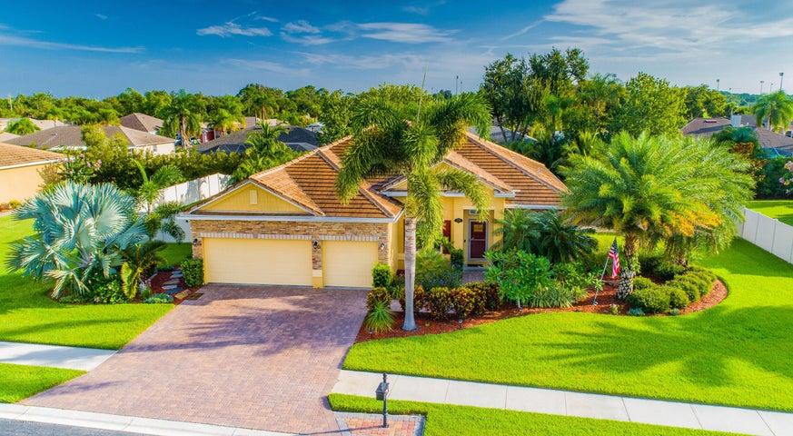 738 Mandalay Grove Court, Merritt Island, FL 32953