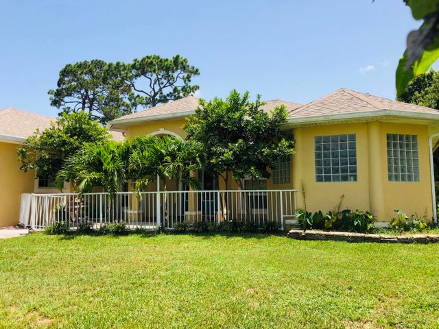 1390 Buffing Circle SE, Palm Bay, FL 32909