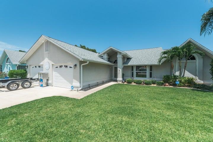 2365 Palm Lake Drive, Merritt Island, FL 32952
