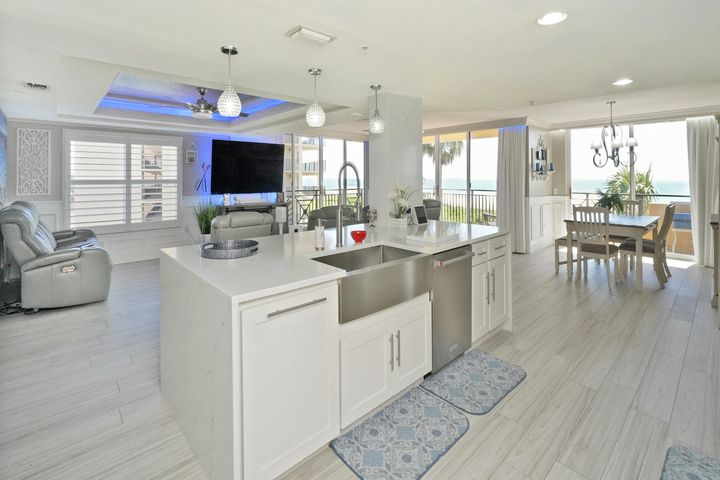 RECENT REMODELED WITH ATTENTION TO DETAILS FOR THE DISCRIMINATING BUYER