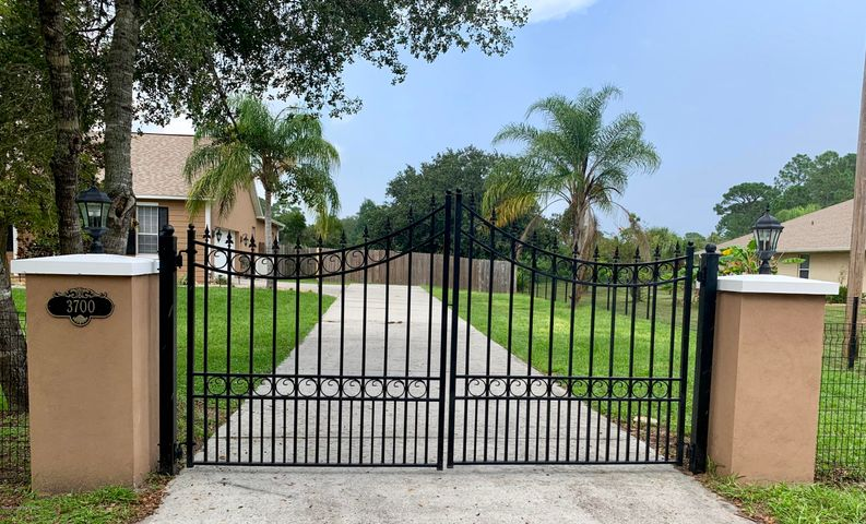 3700 Canton Street, Cocoa, FL 32926