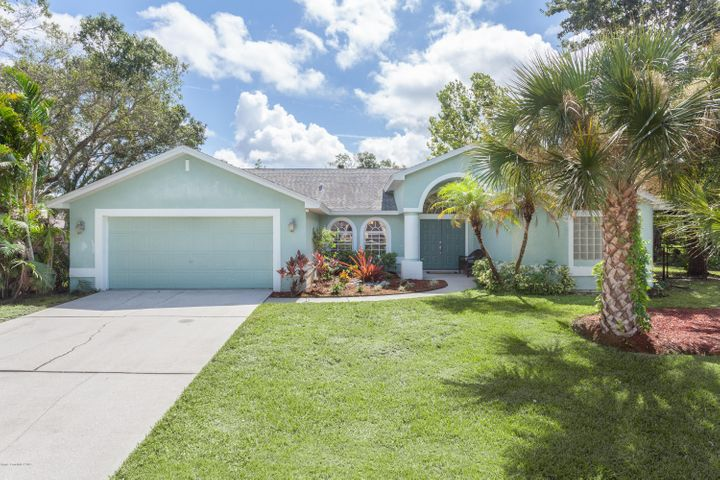915 Peachland Avenue NE, Palm Bay, FL 32907