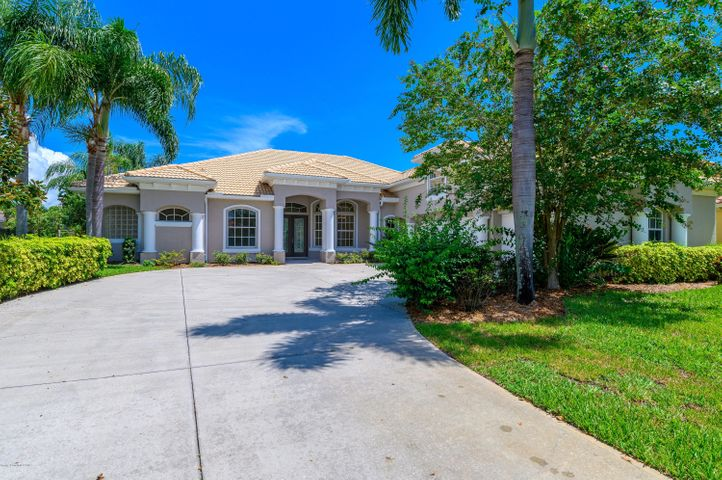 Executive Lakefront Home featuring pool,5 bedrooms, 3.5 baths, 3 car garage