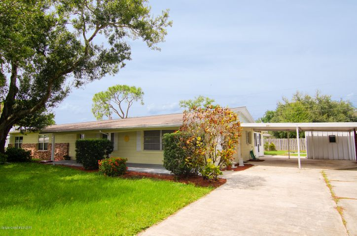 250 Banana Boulevard, Merritt Island, FL 32952