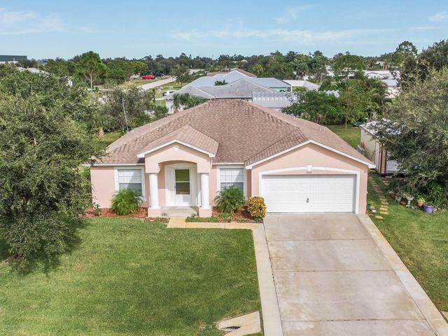 8805 Seventh Avenue, Micco, FL 32976
