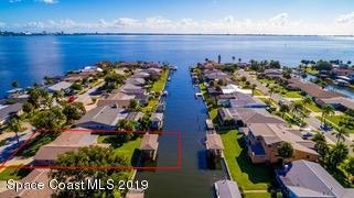 1695 Larchmont Court, Merritt Island, FL 32952