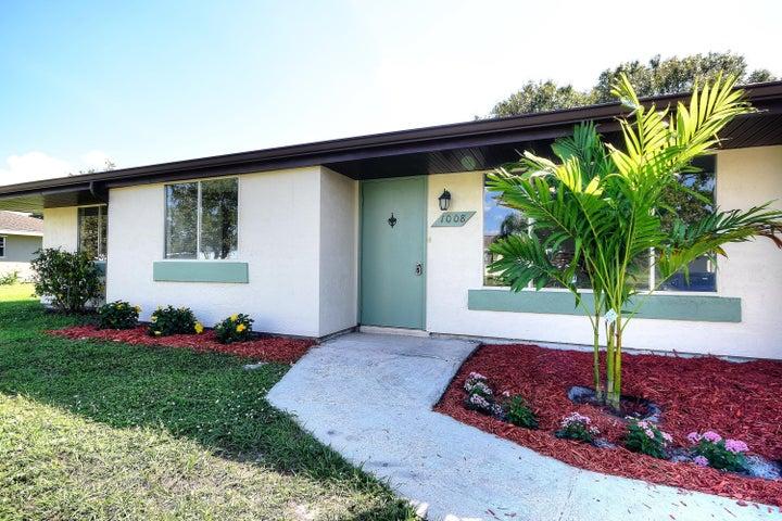1008 Newbern Street NE, Palm Bay, FL 32905