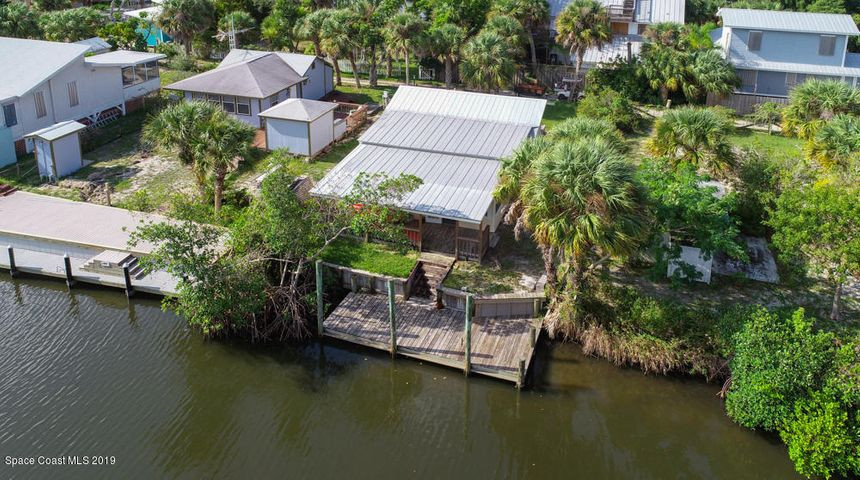 37 Vip Island, Grant Valkaria, FL 32949