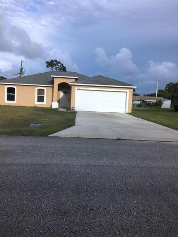 551 SE Bird Avenue SE, Palm Bay, FL 32909