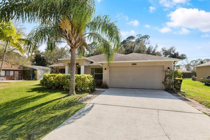 300 Delmonico Street NE, Palm Bay, FL 32907