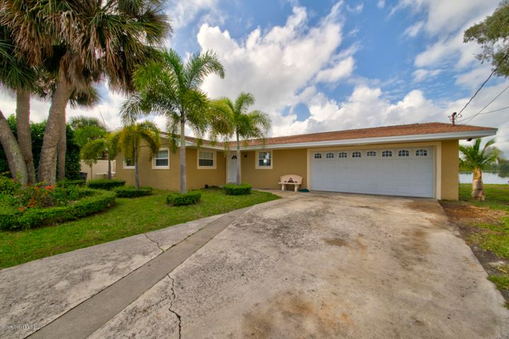 1350 Phyllis Drive, Merritt Island, FL 32952
