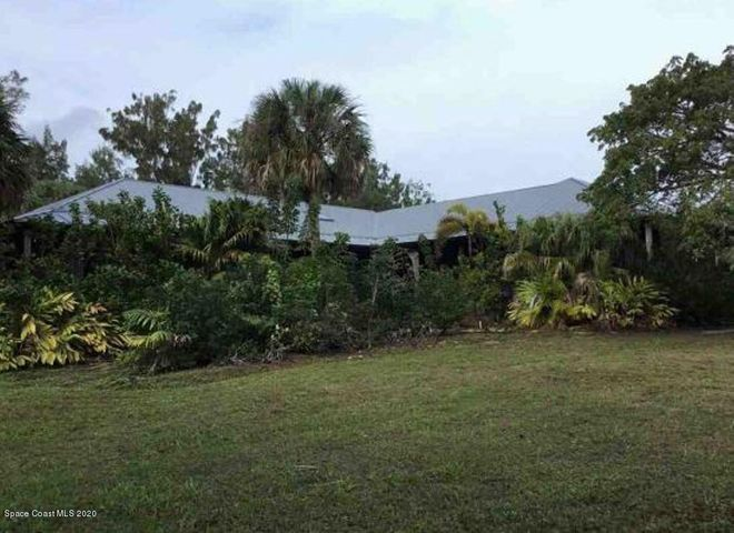 10 Grant Island, Grant Valkaria, FL 32949