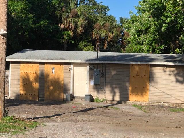 323 Pineda Street, Cocoa, FL 32922
