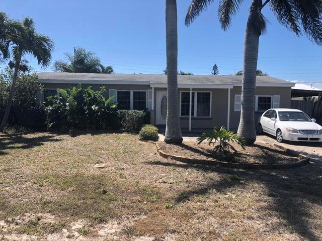 124 SE 2nd Street SE, Satellite Beach, FL 32937
