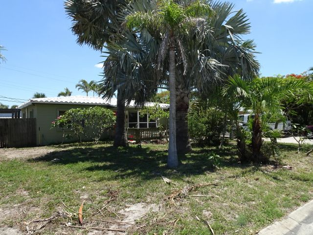 116 SE 1st Street, Satellite Beach, FL 32937