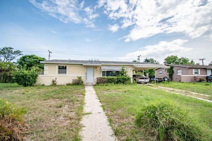 1047 W Highland Drive, Cocoa, FL 32922