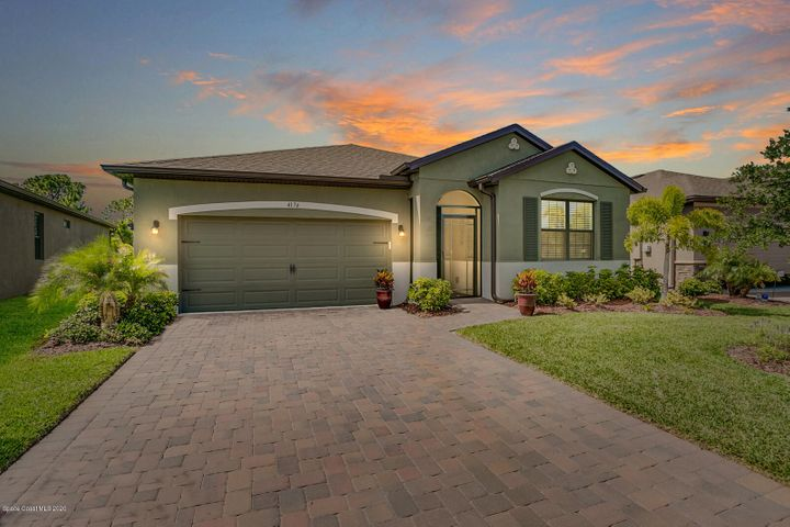 Welcome Home to Sawgrass Lakes