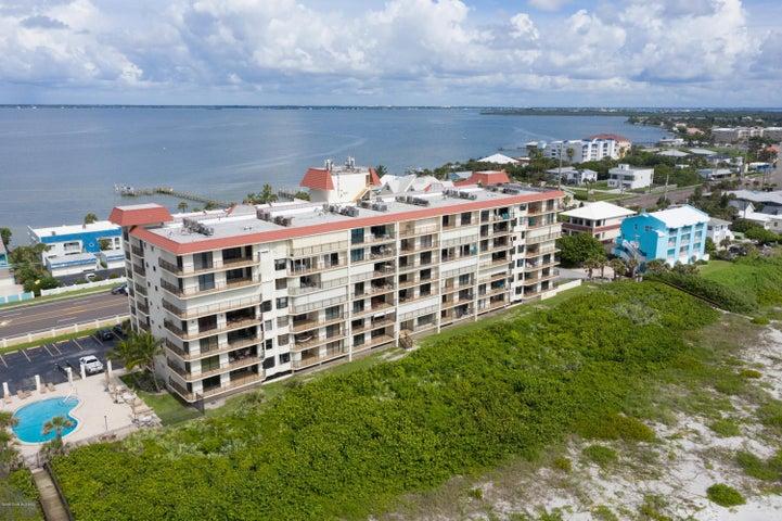 2815 S Atlantic Avenue, Cocoa Beach, FL 32931